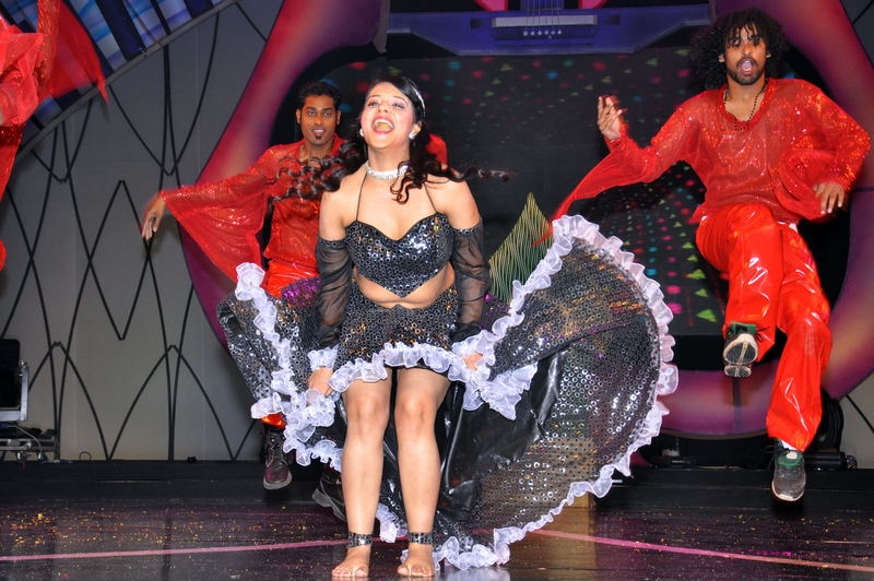 Saloni Latest Hot Maa Music stage Show Performanace