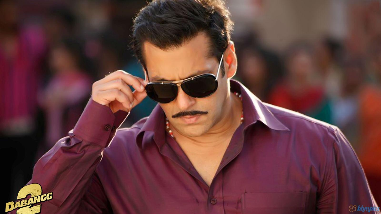 Dashing Salman Khan In Dabangg 2