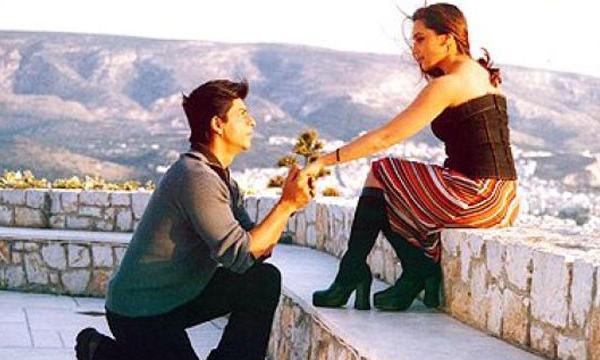 Shahrukh Khan romances Kajol in Egypt! Movie: Chalte Chalte